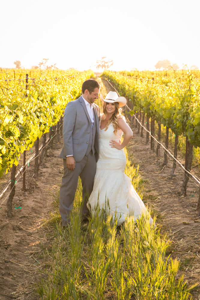 Paso Robles Wedding Photographer Rava Vines147.jpg