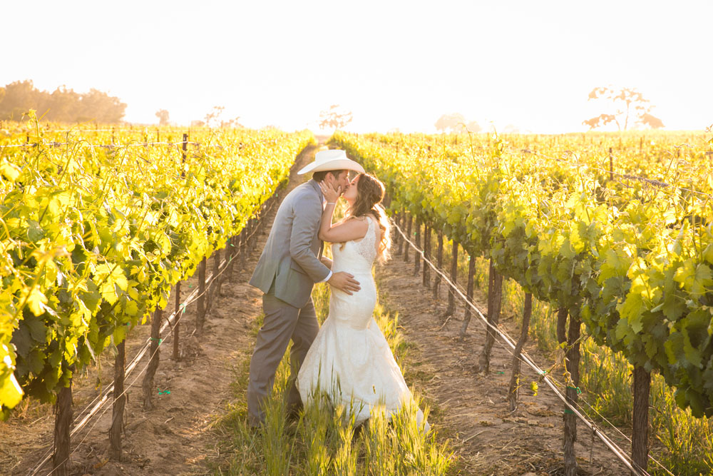 Paso Robles Wedding Photographer Rava Vines148.jpg