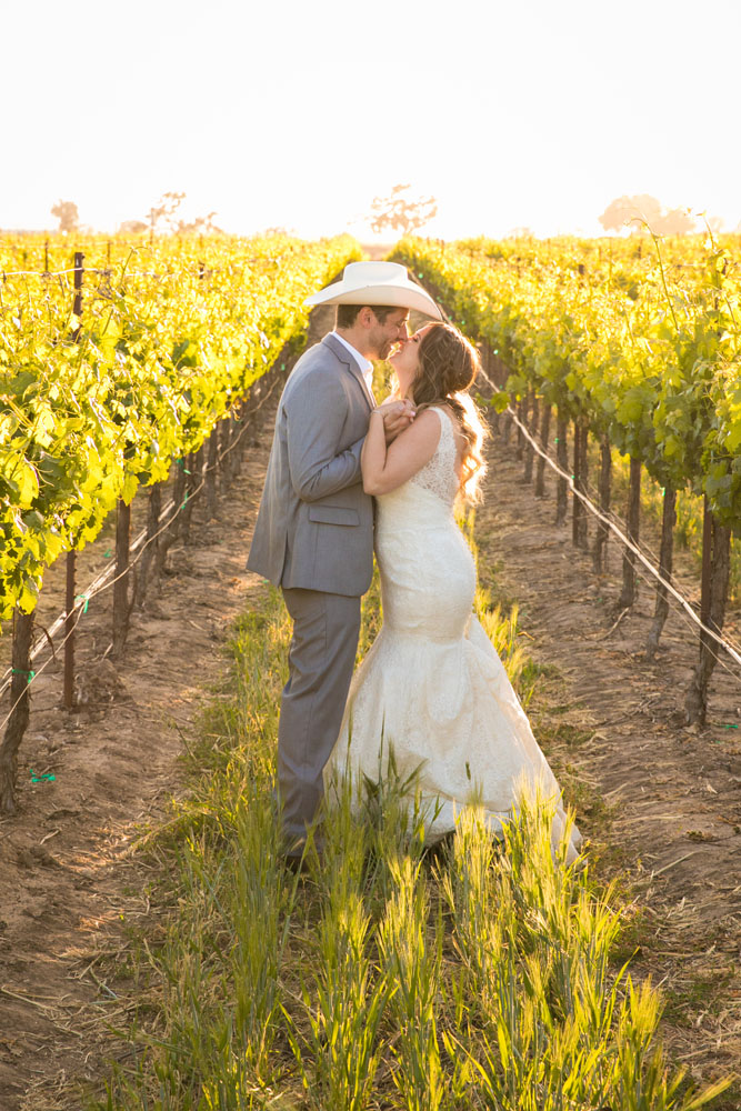 Paso Robles Wedding Photographer Rava Vines149.jpg