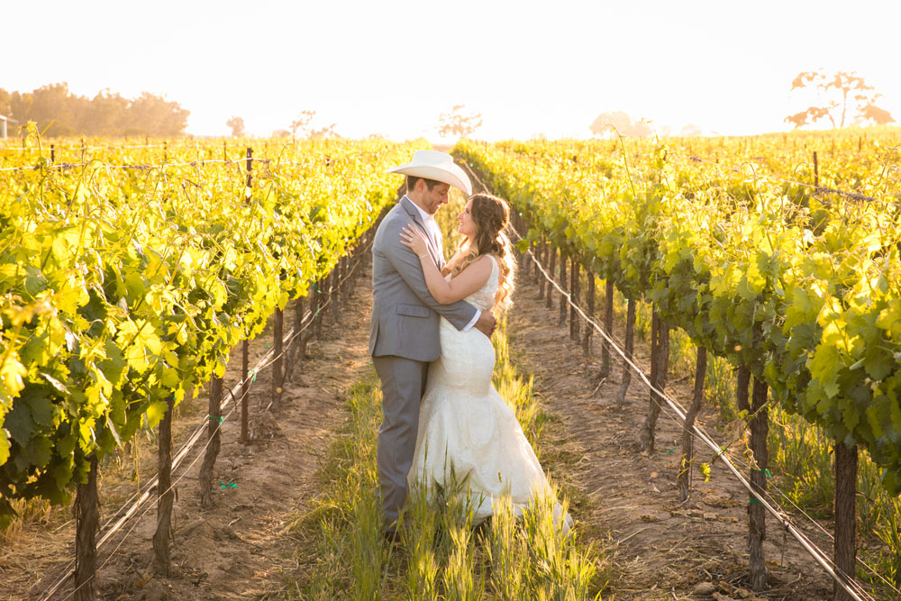 Paso Robles Wedding Photographer Rava Vines150.jpg