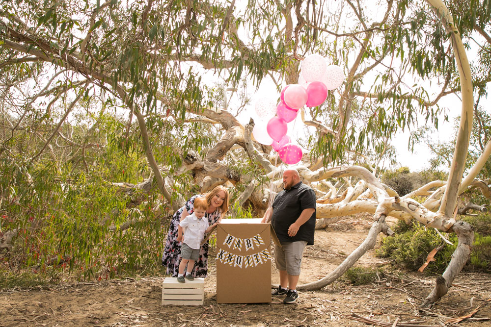 Paso Robles Family and Wedding Photographer Gender Reveal Shoot007.jpg