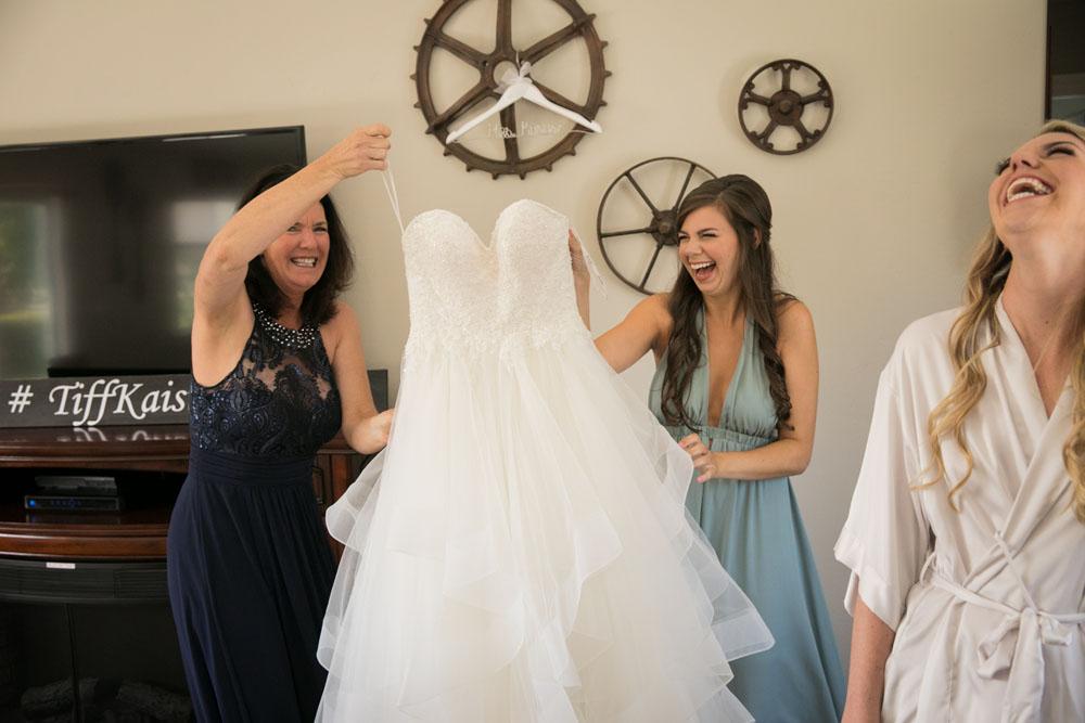 San Luis Obispo Wedding Photographer The White Barn 014.jpg