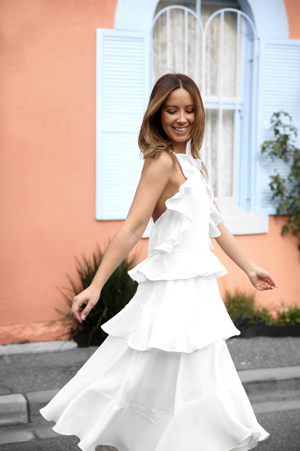 FriendInFashion_WhiteDress_StreetStyle_Vogue_10.jpg