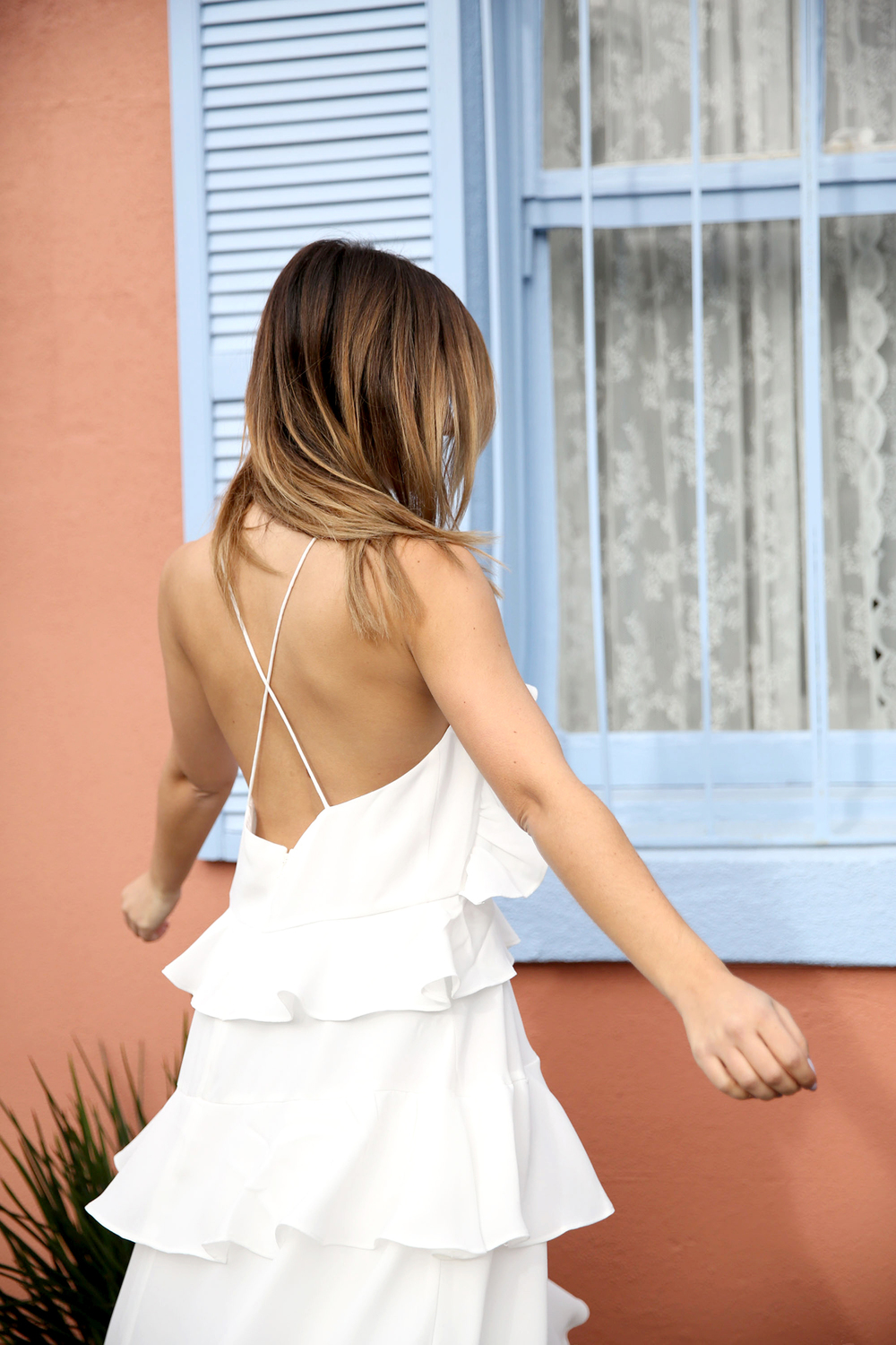 FriendInFashion_WhiteDress_StreetStyle_Vogue_8.jpg