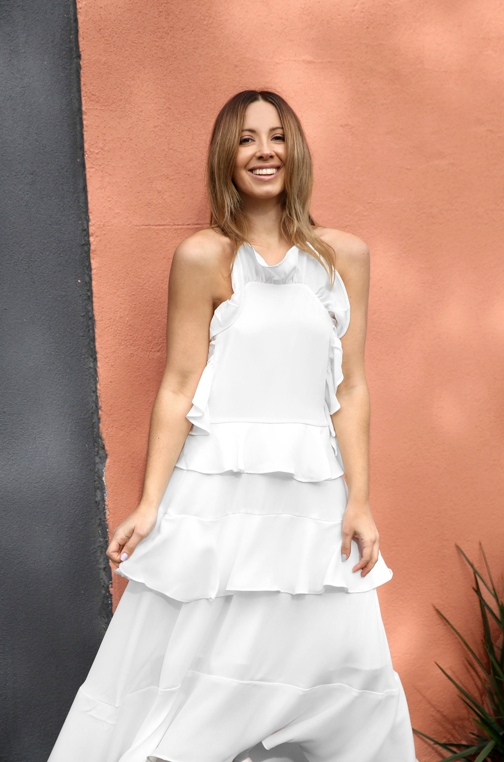 FriendInFashion_WhiteDress_StreetStyle_Vogue_4.jpg