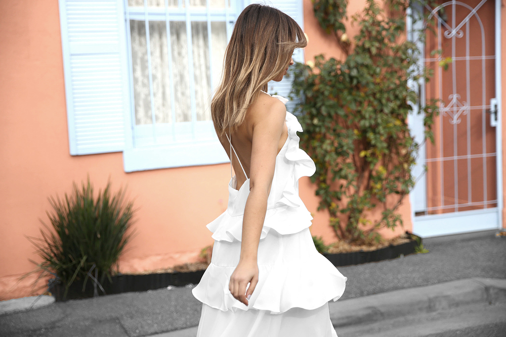 FriendInFashion_WhiteDress_StreetStyle_Vogue_1.jpg