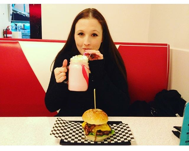Having the best time is easy when you at Kustomburgers, right @flab2fabgal 👌👍 . . #kustomburgers #kustom #burgers #customers #burgerlove #melbourneeats #melbournedinner #melbournelunch #melbourne #northcote #thornbury #preston #thornburyheights #highst #burgersofmelbourne #melbourneburgers #melbournerestaurant #burgerporn #urbanlisted #madeinmelbourne #burgersofmelbourne #foodie #melbournefood #foodporn #melbournecafe #eatmelbourne #melbourneeats #zomatoaus #grammagazine