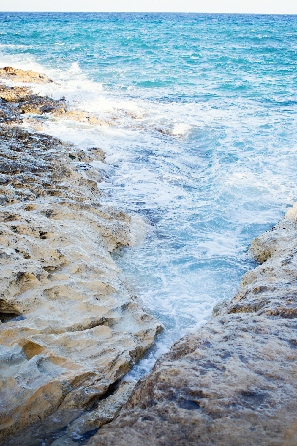 stormy sea, windy, spring in malta, turquoise water, photographer malta