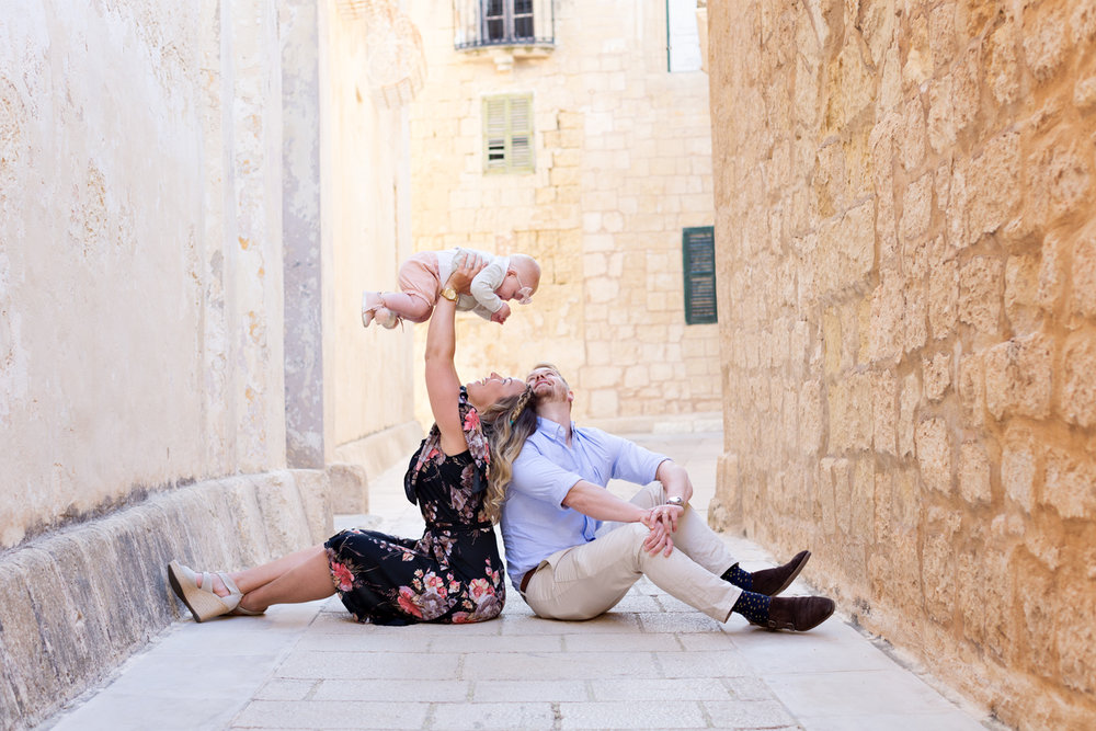 Mdina, family session Malta, boutique photographer malta, unique family photo shoot, toddler, parents, alley Mdina alley historic location