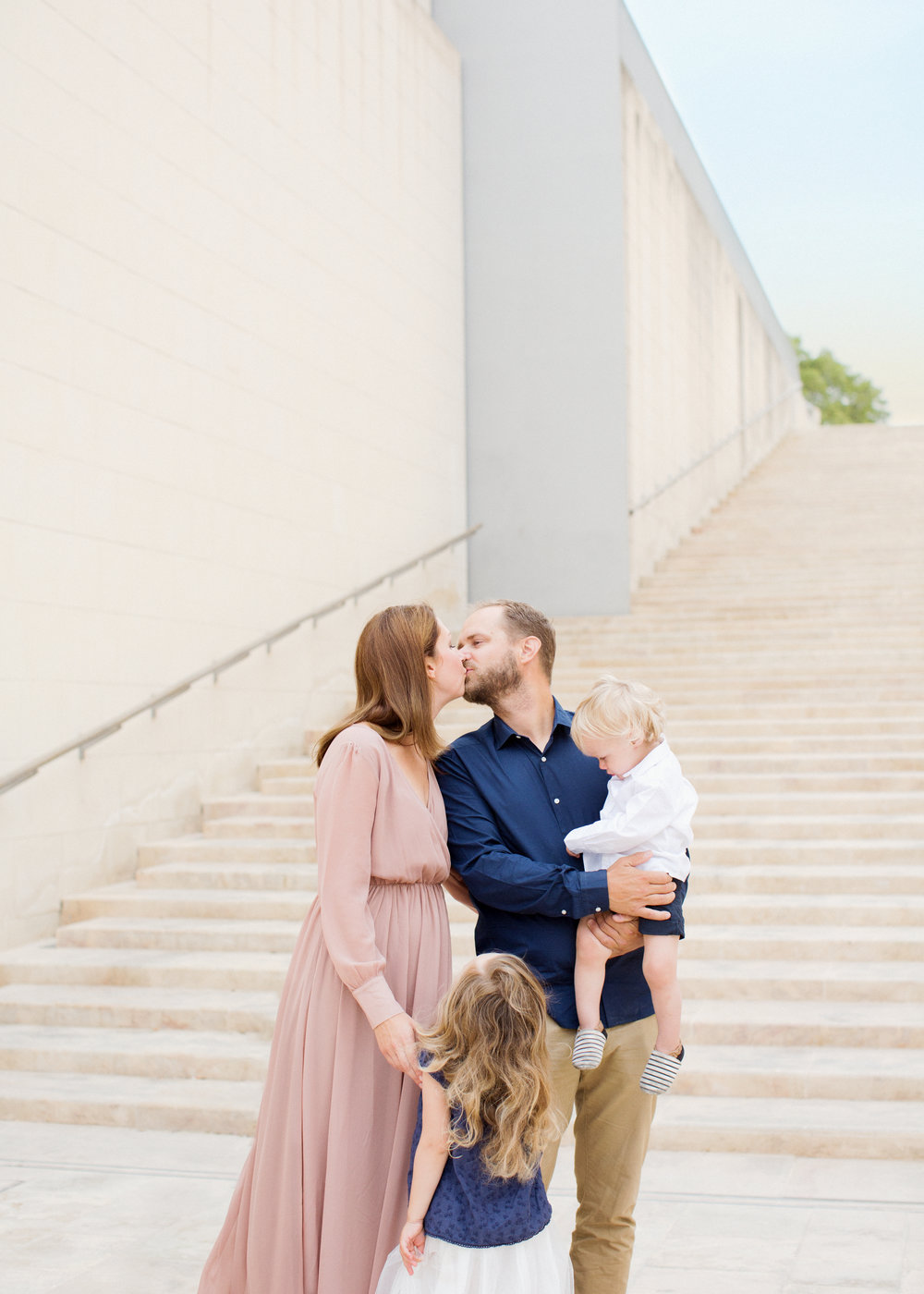 valletta photoshoot, malta family photo shoot, natural light photographer, relaxed photo session, family of four, swedish photographer malta,