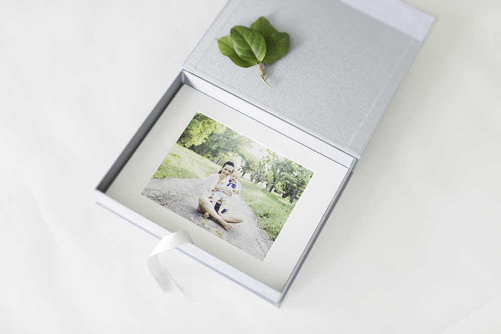 boutique photography product folio box biggest seller for my family photography clients singapore