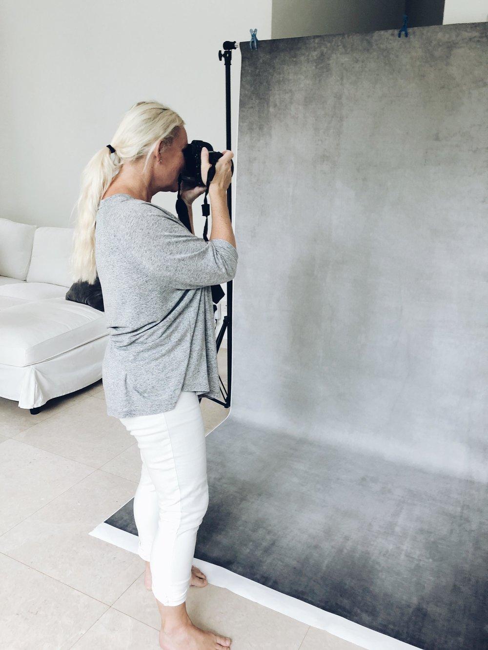 behind the scenes of a studio shoot family shoot singapore home studio singapore