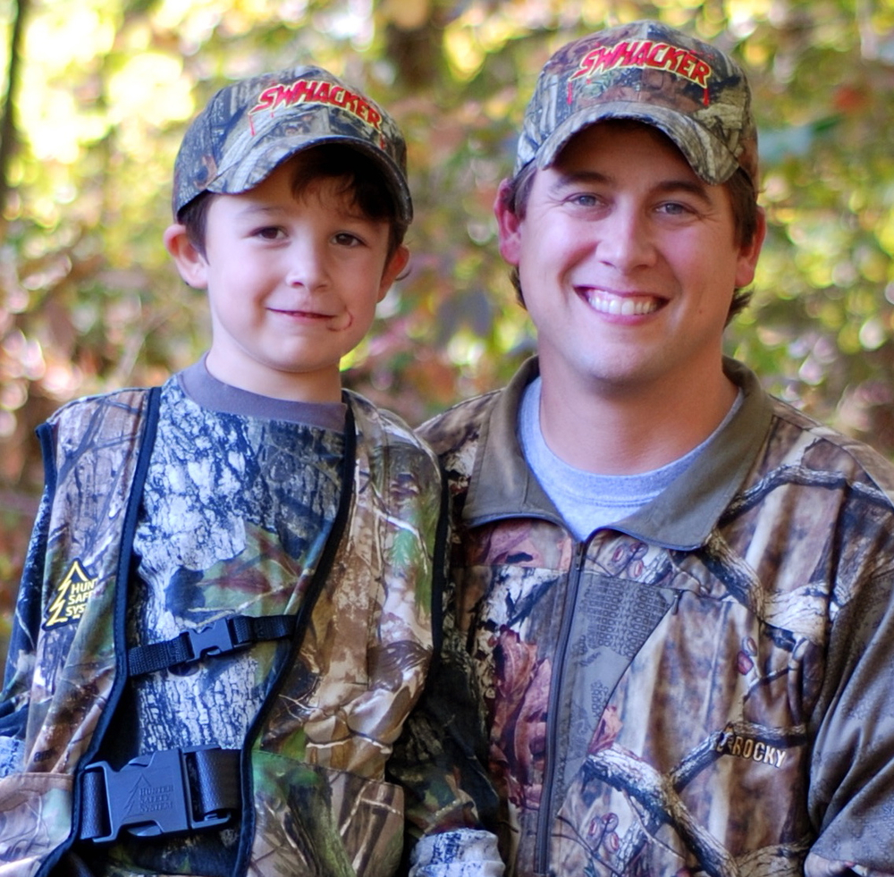 Hank Parker Jr. with his son ... decked out in camouflage and ready to hunt!