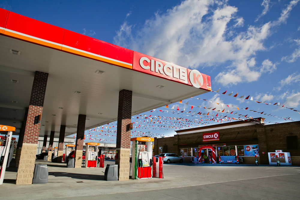 circle-k-grand-opening-savannah-georgia-store-exterior-approach-marketing