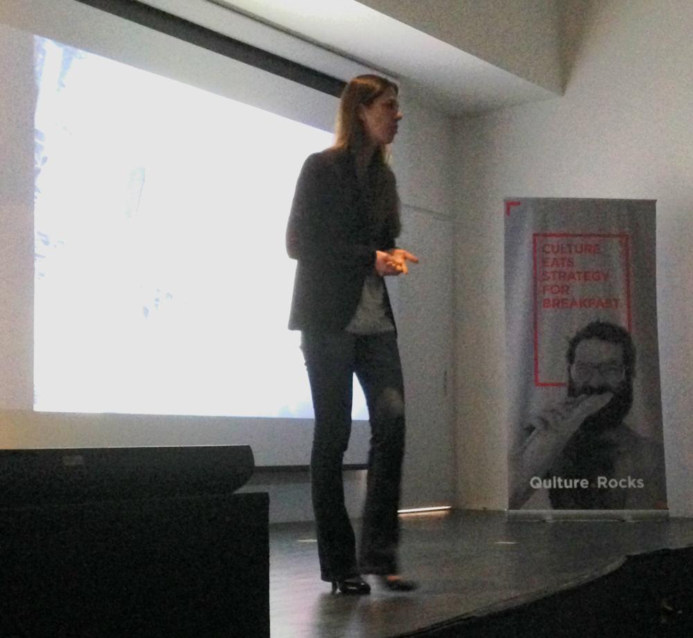 Carla Blanquier, gerente de treinamento e desenvolvimento da Movile, na Qulture.Con 2015
