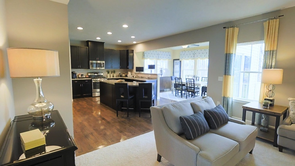 kitchen living1.jpg