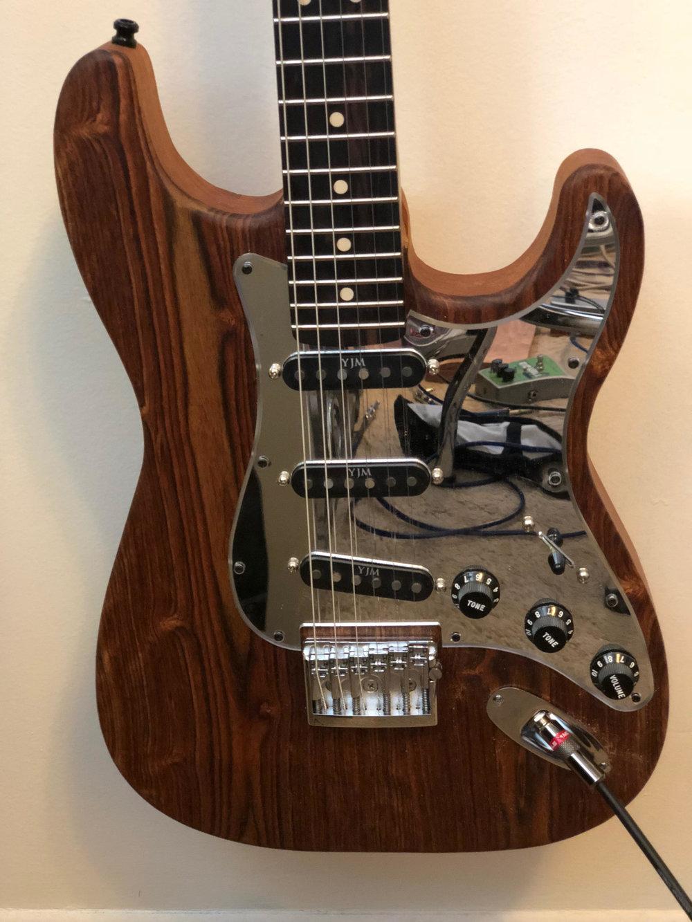 mirror guitar.jpg