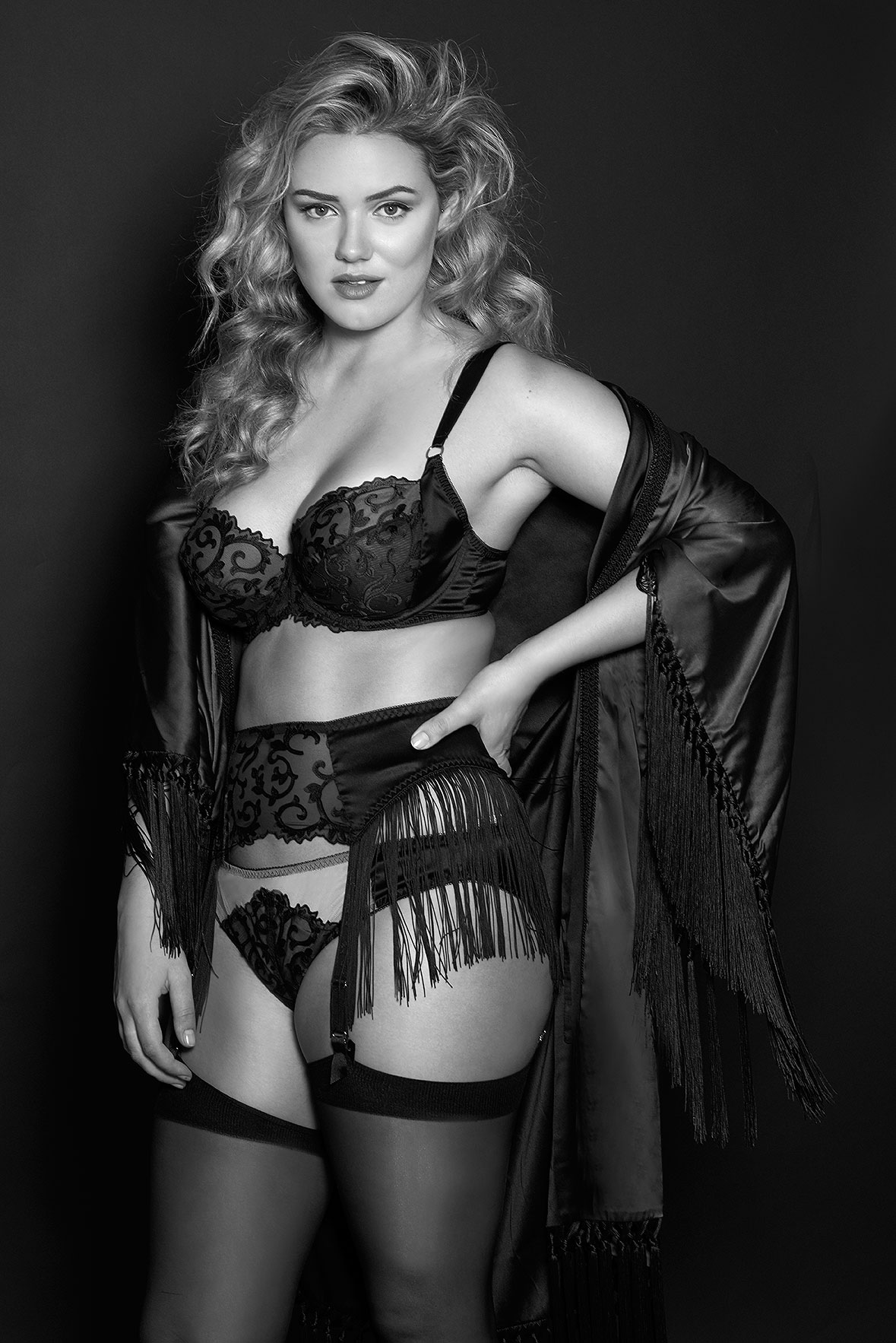 Lingerie-la-femme-larger-cup-lingerie-plus-size-model-kate-m-milk-models-harlow-and-fox-12