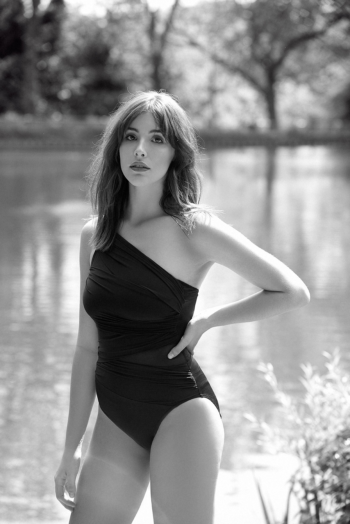 Miracle-suit-black-swimwear-hamstead-heath-pool-swimsuit-lingerie-la-femme-editorial-photoshoot-bathing-suit-02
