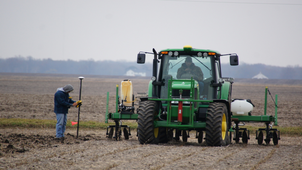 Jason Kyle Nov 2014 N rate trials - tractor pic.jpg
