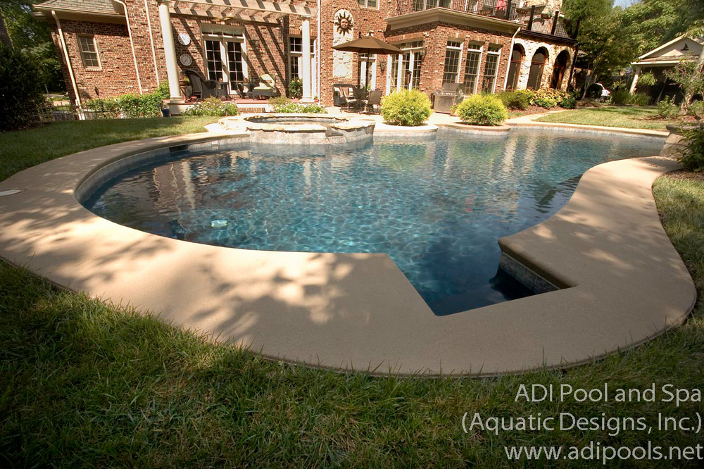 5-concrete-pool-spa-combination-with-swimout.jpg