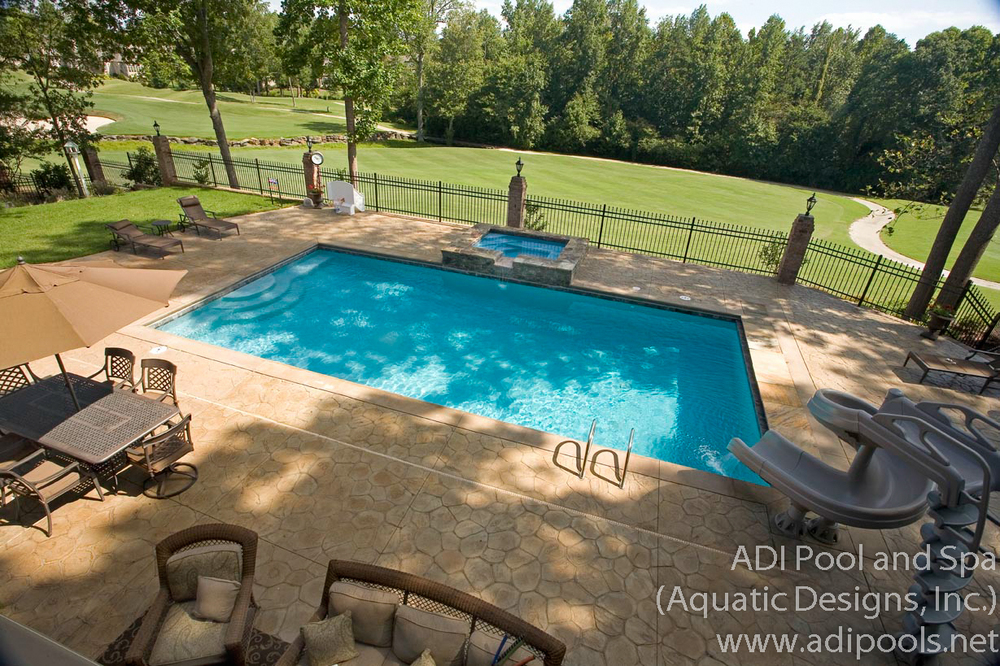 4-gunite-pool-on-golf-course.jpg