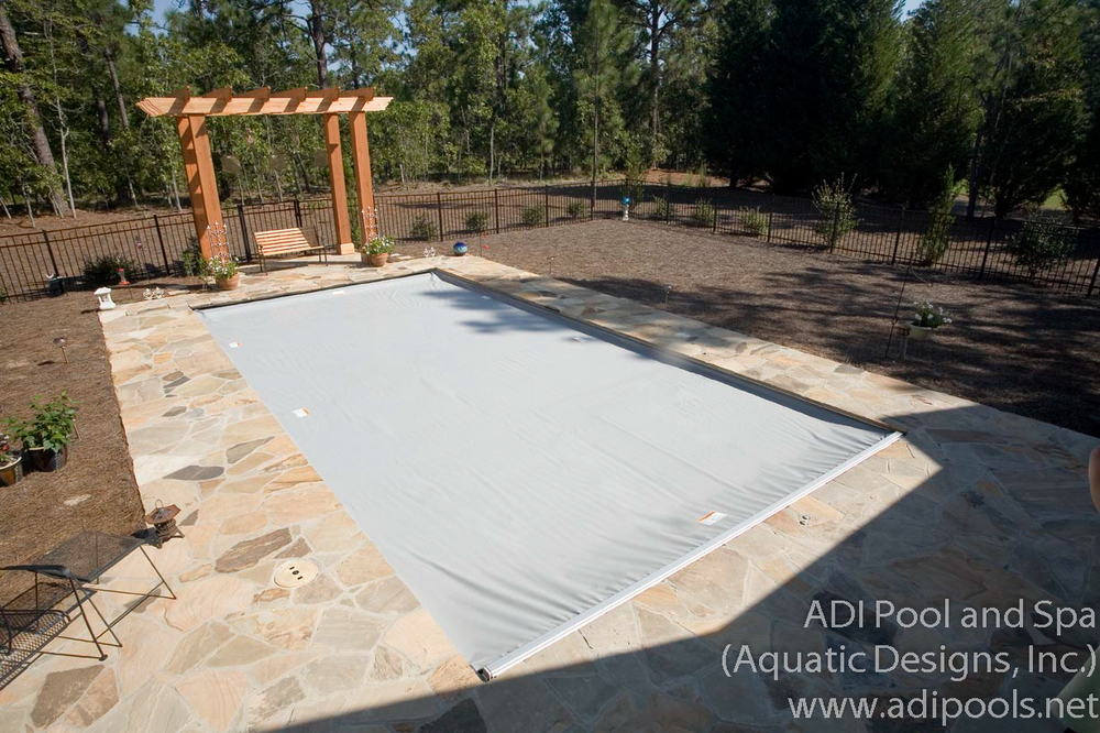 1-automatic-cover-on-residential-swimming-pool.jpg