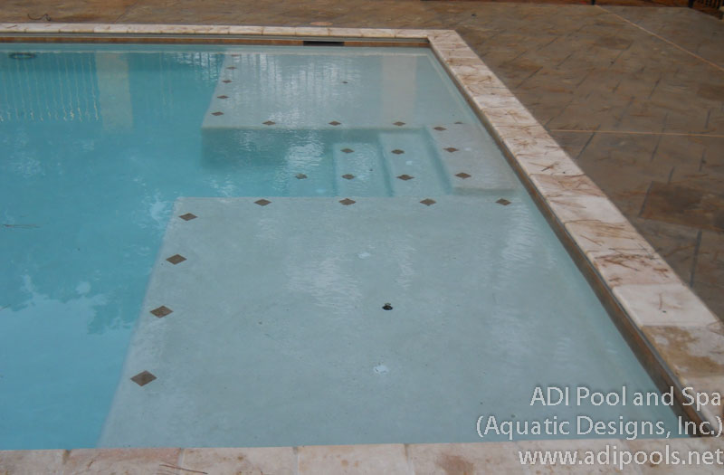 pool-with-thermal-ledges.jpg