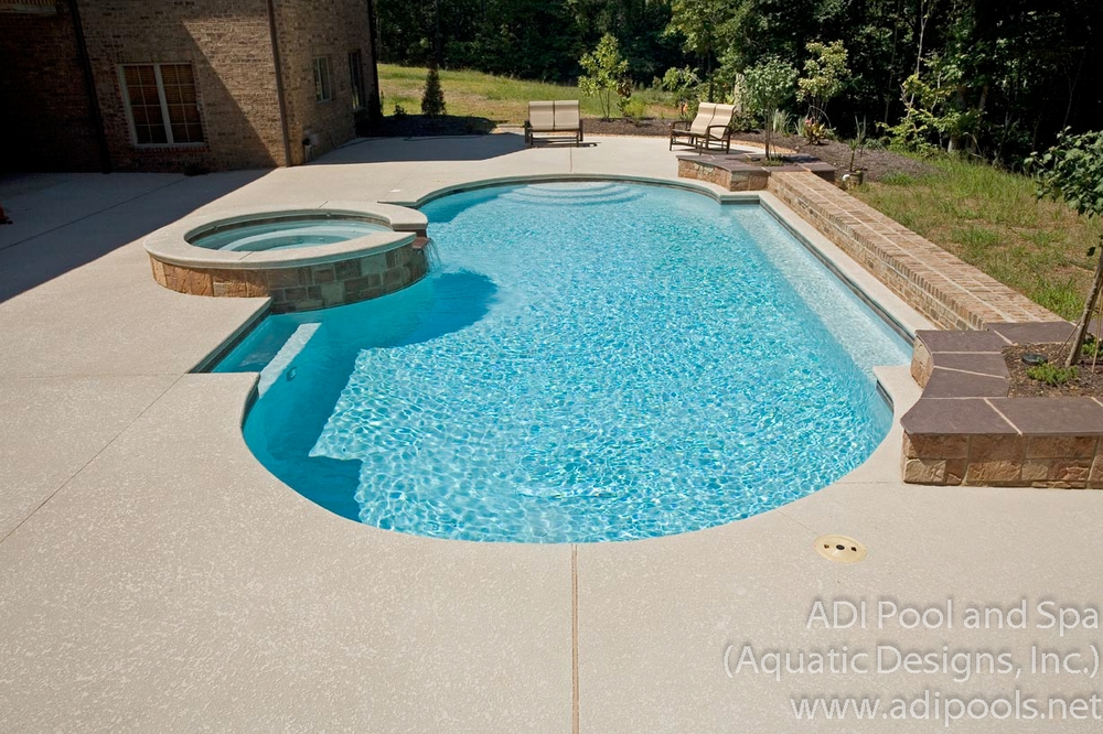 2-gunite-pool-and-spa.jpg