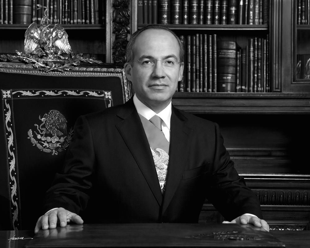 """Felipe Calderón H., México (2006-2012)  """"Sin duda, la libertad de prensa es el vehículo por excelencia de la libertad de expresión y del derecho a la información, de ahí que sea una condición necesaria para construir sociedades libres, informadas, participativas y democráticas""""."""