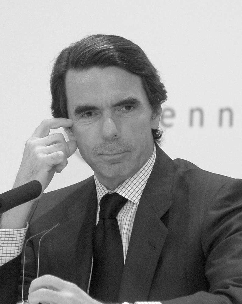"""José María Aznar, España (1996-2004)  """"Si defendemos, y yo lo defiendo, que la libertad es un atributo del ser humano, debemos por tanto considerar a la democracia como la única forma de gobierno compatible con esa cualidad inherente al hombre. Así, afirmo que la libertad y la democracia van de la mano, conforman un vínculo indisoluble, son cara y cruz de la misma moneda""""."""