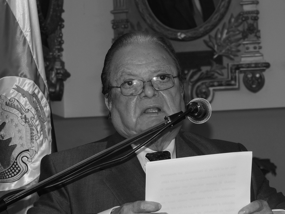 """Luis Alberto Monge, Costa Rica (1982-1986)  """"La experiencia del pasado y del presente, nos enseña dolorosamente, que la democracia sin la guerra a la pobreza y sin la promoción de esos valores (de la justicia, la equidad y la solidaridad.), se torna frágil y queda a merced de los demagogos y de los aventureros""""."""