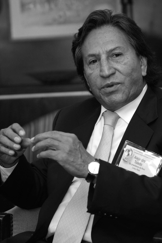 """Alejandro Toledo, Perú (2001-2006)  """"También debe ser un objetivo común de esta tarea nuestra, de Iberoamérica, la de crear una justicia internacional que se globalice. No podemos permitir que sólo el comercio, las finanzas y la economía se globalicen. Necesitamos ser claros sobre la globalización de la democracia de los derechos humanos y de la justicia""""."""