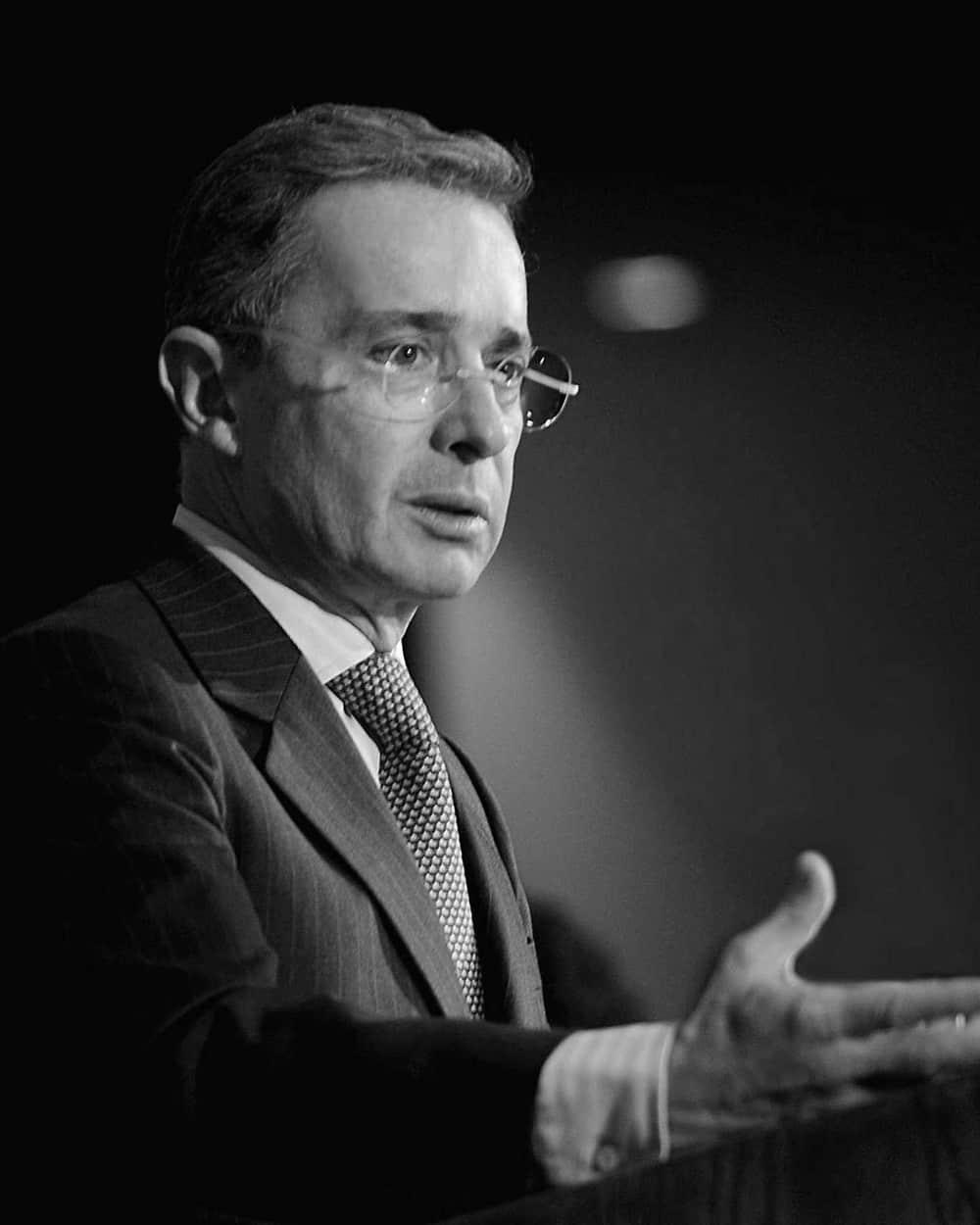 Álvaro Uribe.jpg