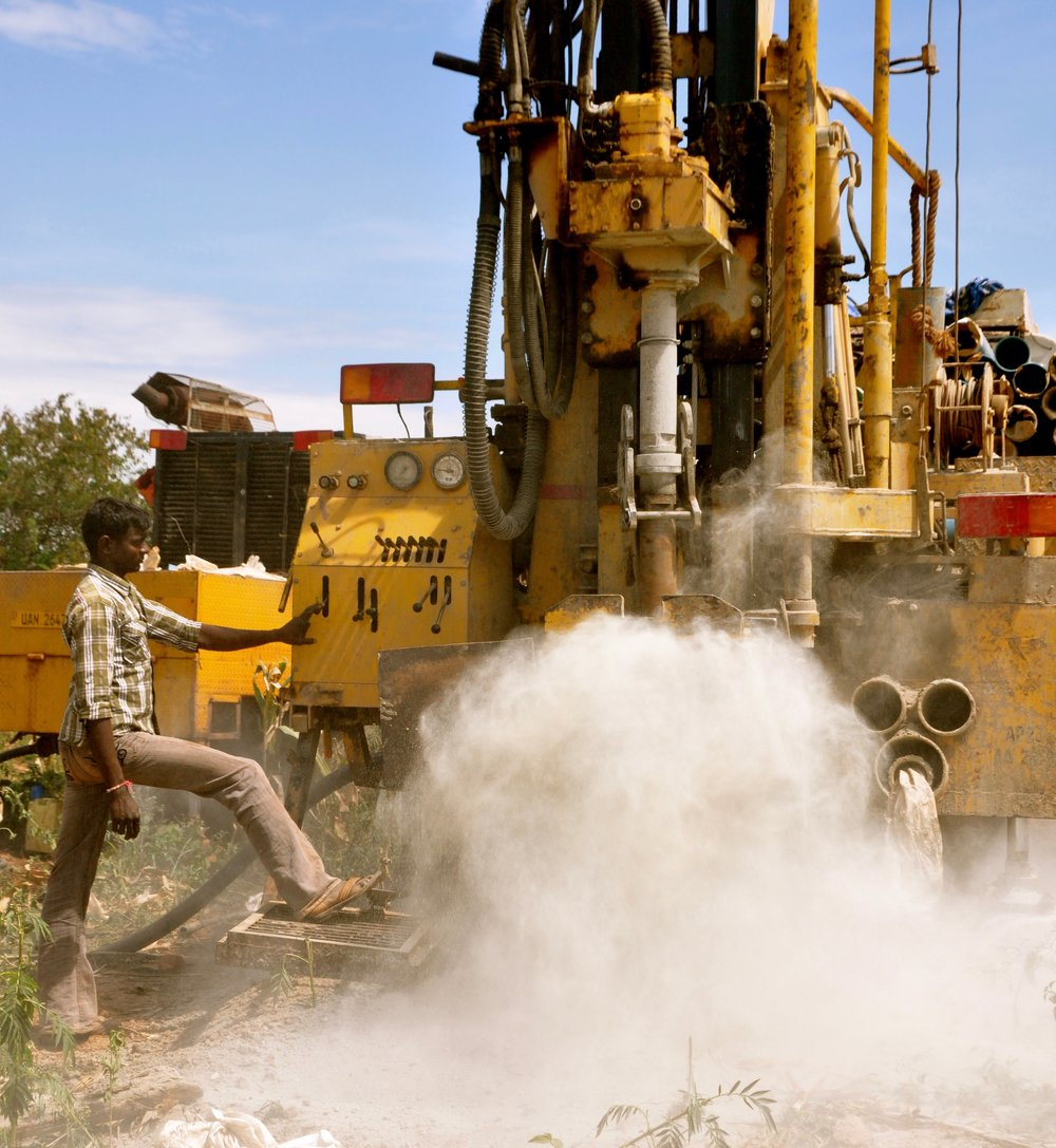 Step 5: Drill Tukutana contracts a state-of-the-art rig and highly repuatable crew to drill the well and install the pipes and hand pump. Drilling typically takes 10 to 18 hours. Water, in the eastern Ugandan region we serve, is most often struck at depths of 50 to 80 feet.