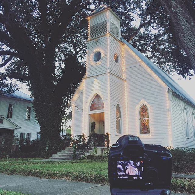 We are loving this intimate church for Madeline and Kevin's ceremony! #stfrancisville #palmerproductions