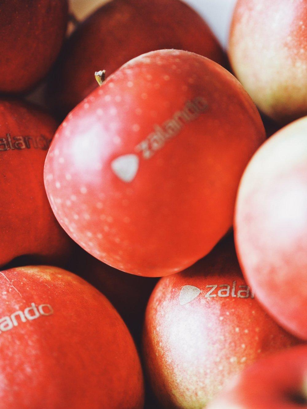 Äpfel mit Zalando Gravur gabs auch...