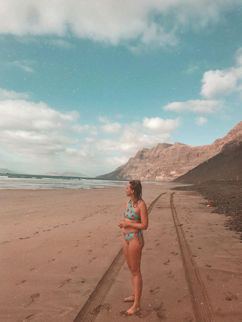 WaveSisters Surf-und Yogacamp Lanzarote Famara