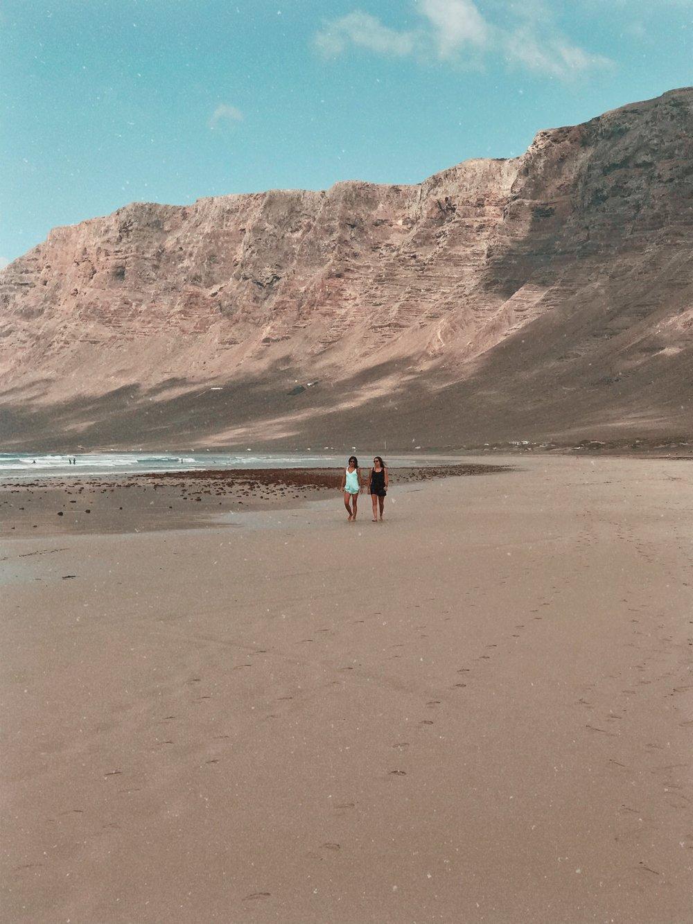 WaveSisters Surf-und Yogacamp Lanzarote Tamara
