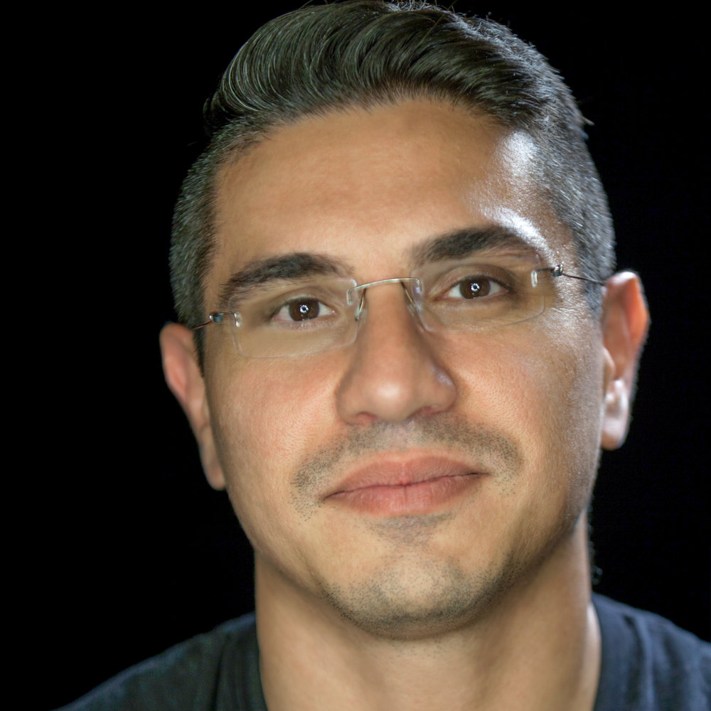 "<a href=""http://polygr.am/faryar"" target=""_blank""><i><b>Faryar Ghazanfari</i></b></a><br>Co-Founder<br><br><b>Polygram</b><br>"