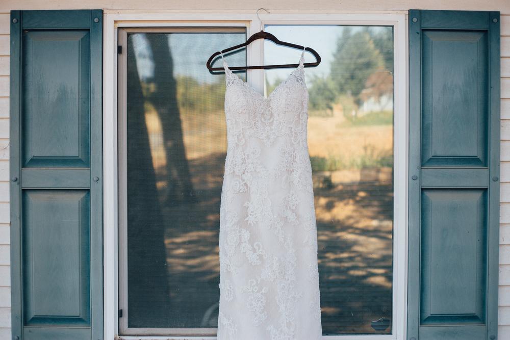 BrideGettingReady-1.jpg
