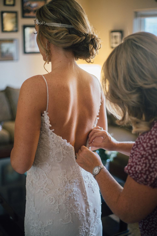 BrideGettingReady-47.jpg