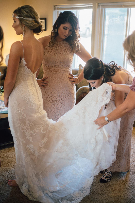 BrideGettingReady-54.jpg