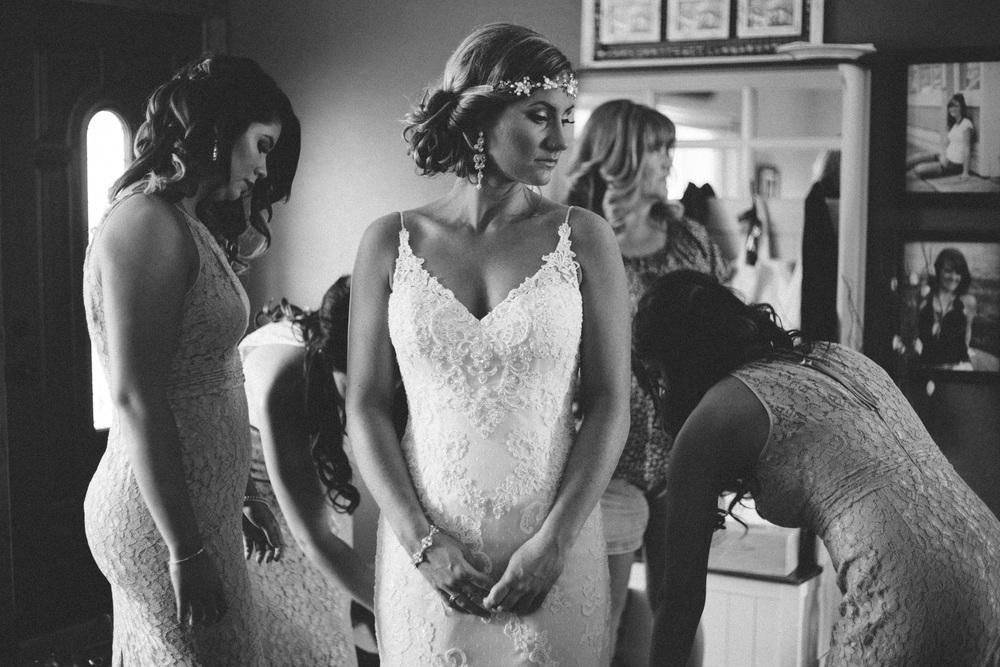 BrideGettingReady-64.jpg