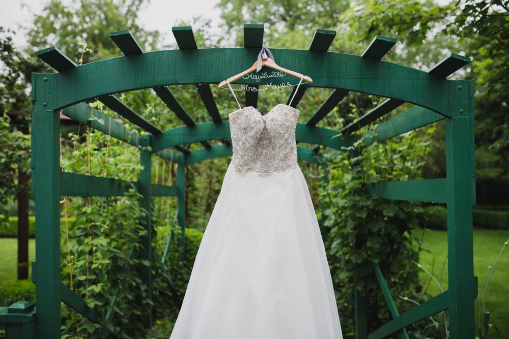 BrideGettingReady-1388.jpg