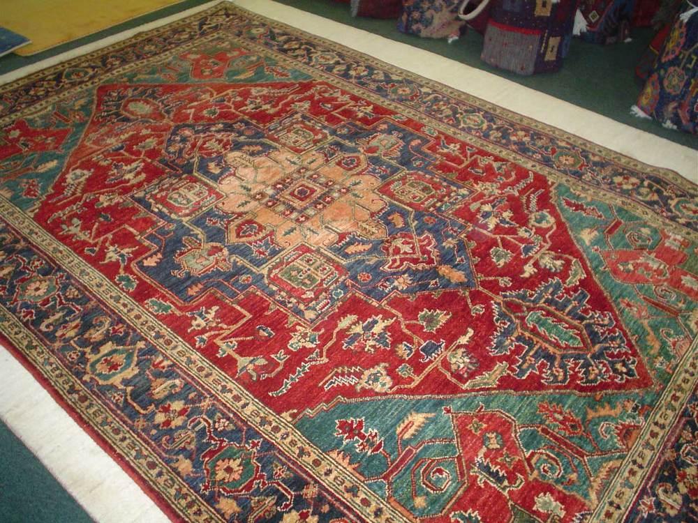 #30) 6 x 9 Heriz. Afghanistan. Natural (vegetable) dyes, hand spun wool.