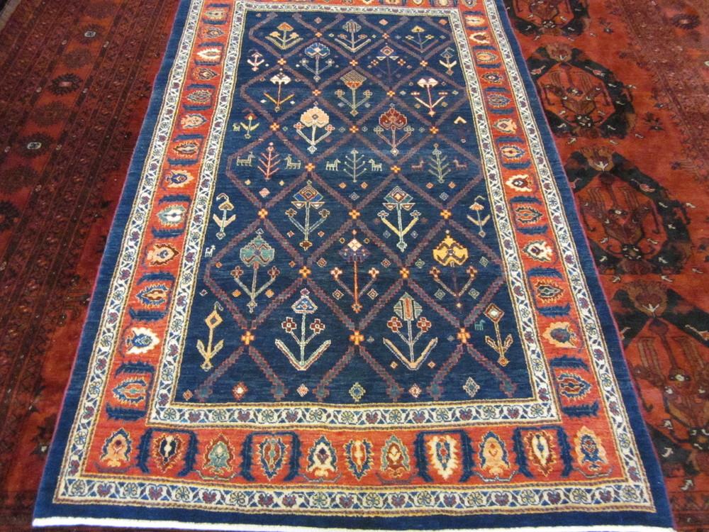 #40) Navy Persian Tribal rug. Khamsehbaf, aprox. 3' x 6'