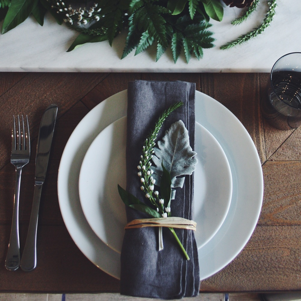 wintery table setting - the habitat collective - www.thehabco.com