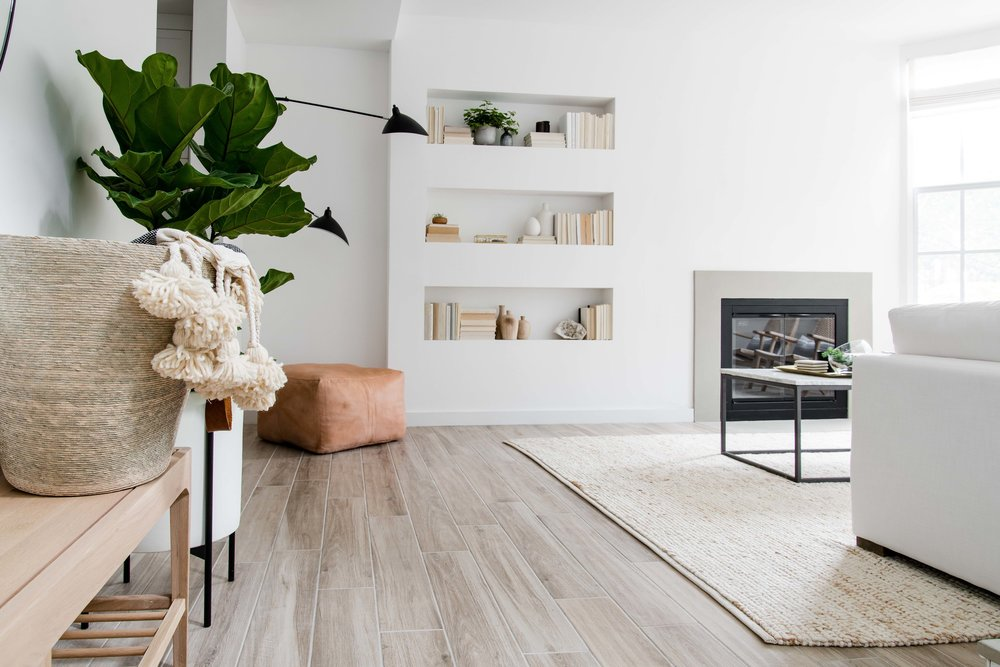 modern neutral living room with built in shelving  - the habitat collective interior design - #projectpeachy