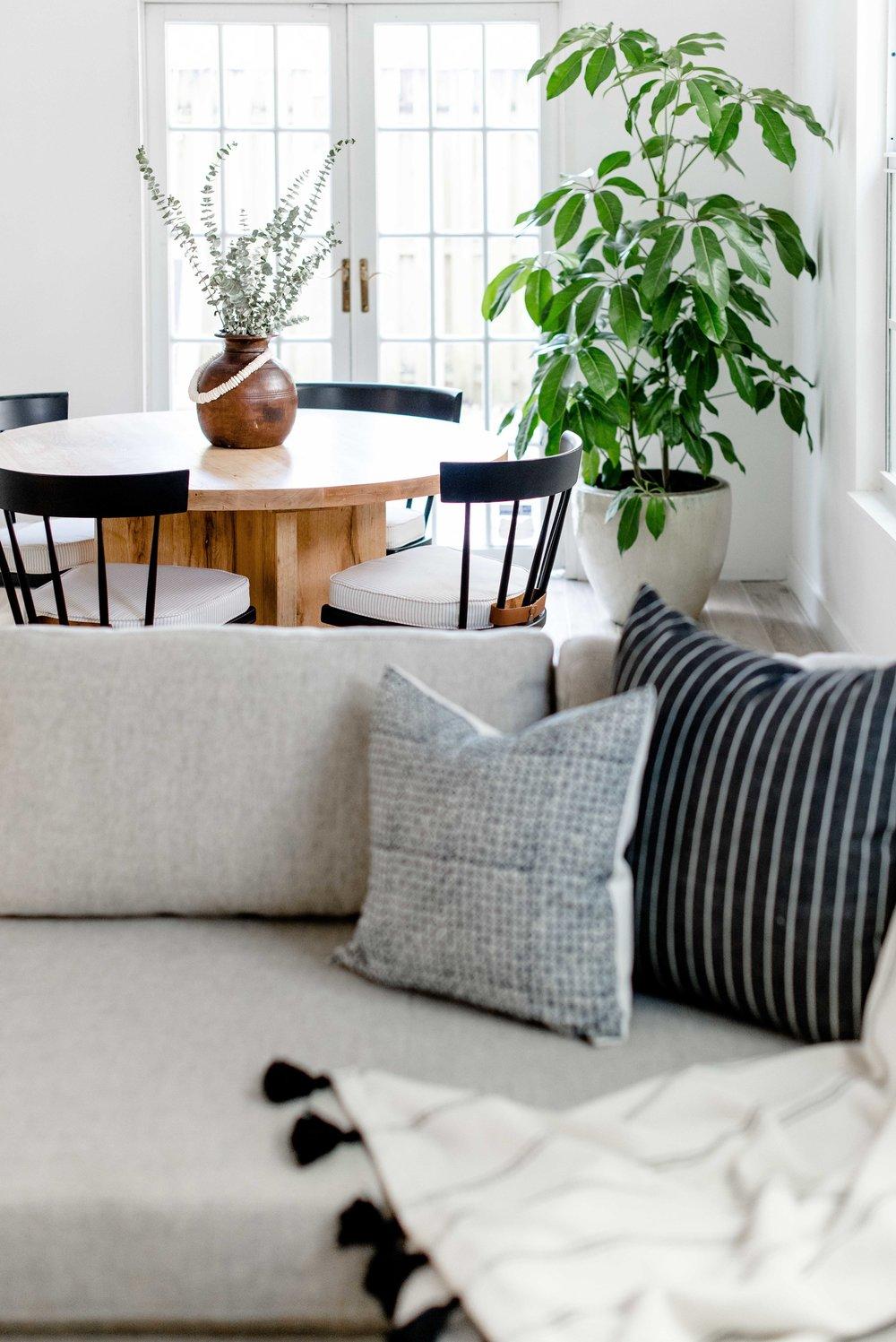 modern neutral dining area - the habitat collective interior design - #projectpeachy
